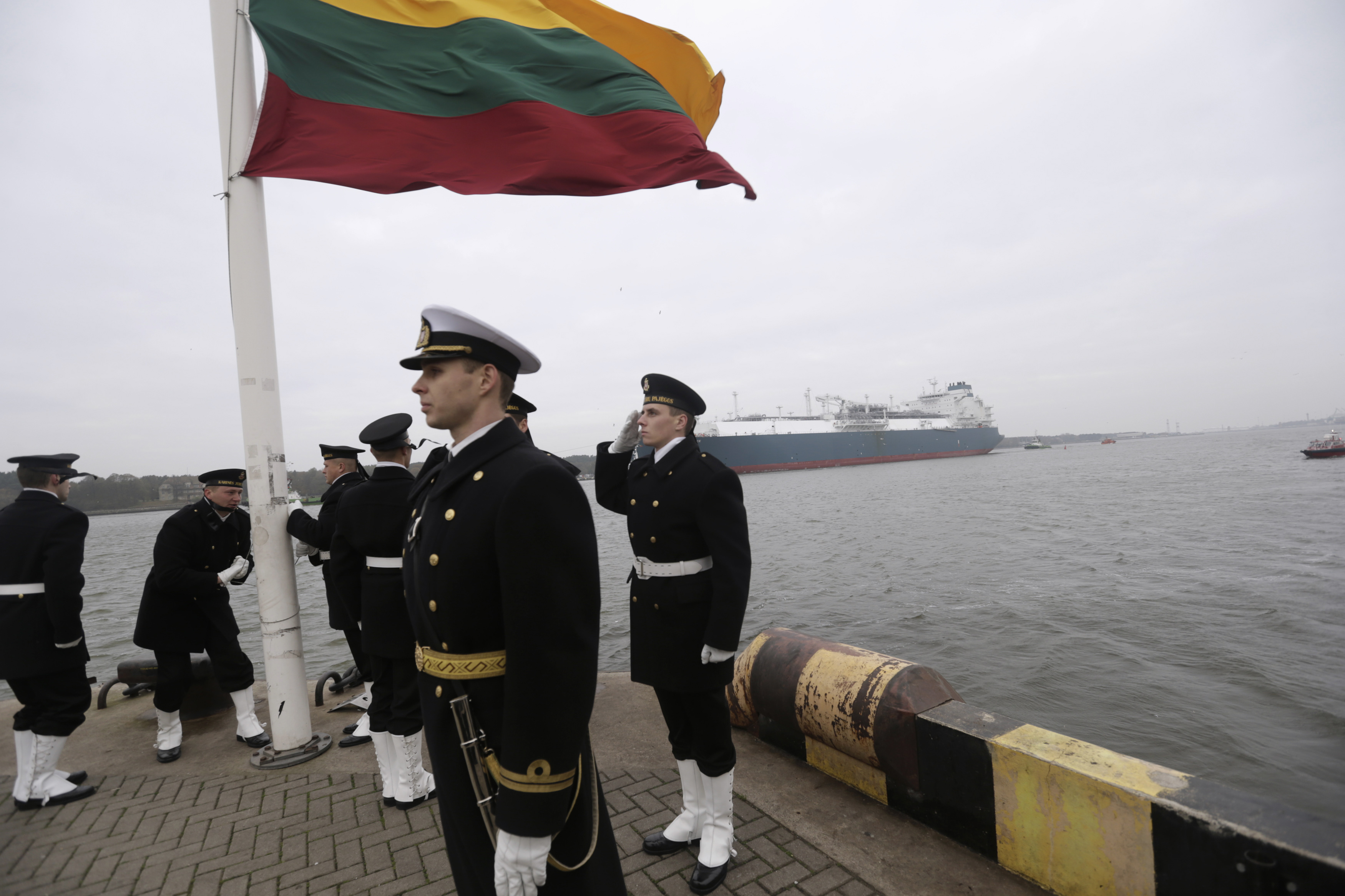 lithuania-latvia-are-increase-defense-spending.jpg