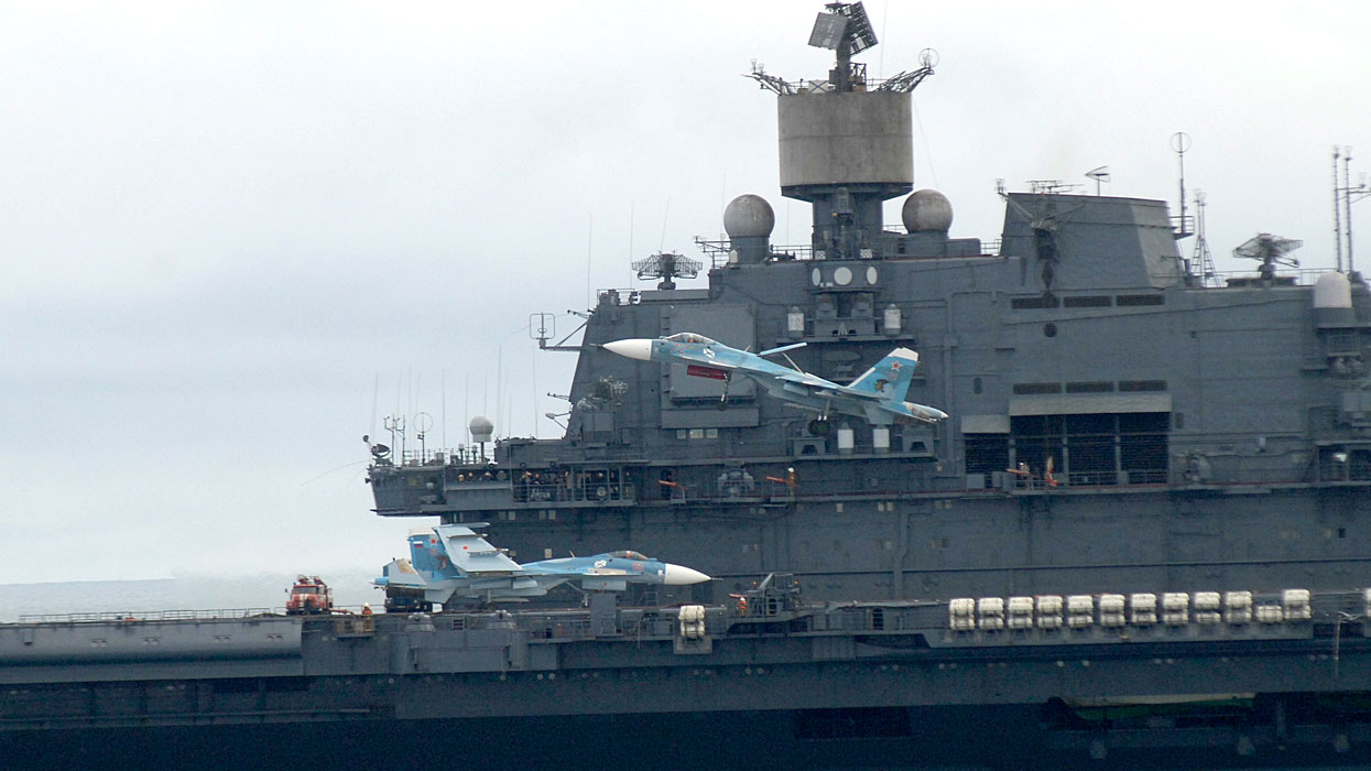 Aircraft Carrier Admiral Kuznetsov: News #2 - Page 4 06-6547933-1514318024-kuznetsov