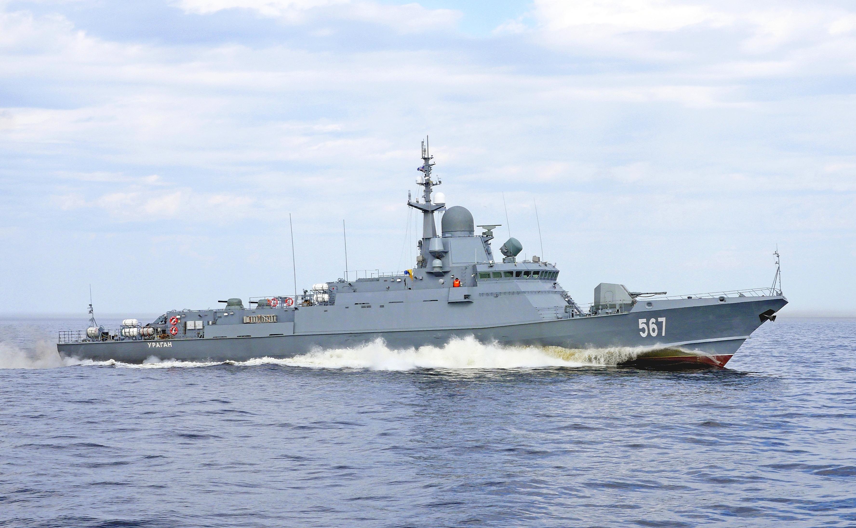 "Project 22800: ""Karakurt"" class missile ship - Page 20 10-6560149-22800-mrk-uragan-na-zkhi"