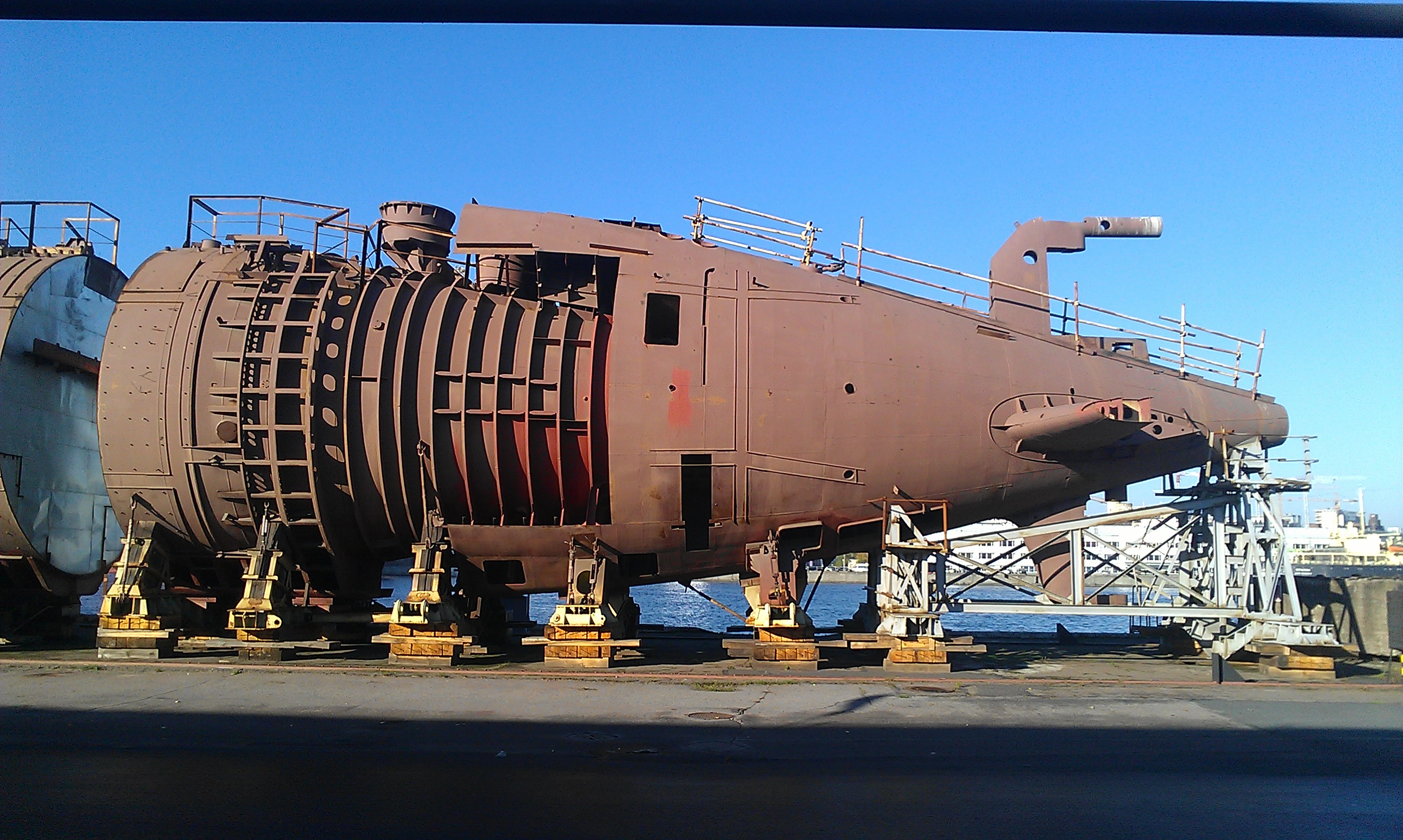 Project 677: Lada class Submarine - Page 16 15-6768453-imag1008
